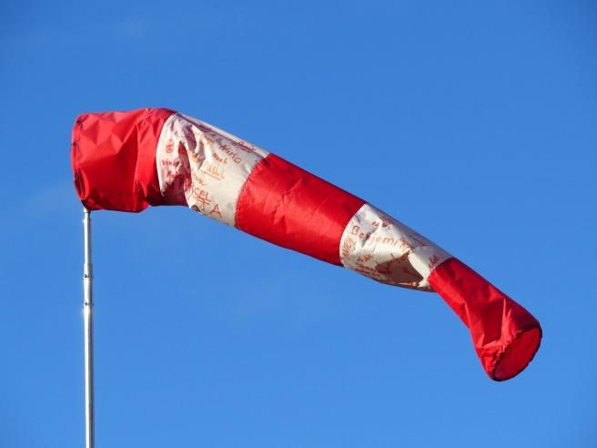 Wind tunnel/flag indicator