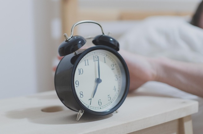 Alarm clock showing 7am